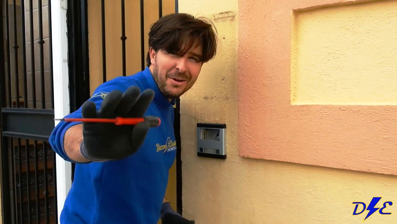 Sustituci n portero autom tico por aver a domo electra for Instalacion portero automatico tegui
