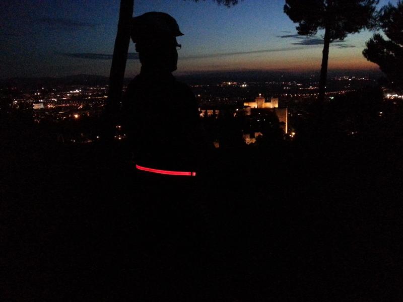 cinturon-luz-led-halo-granada-domo-electra-david-peralta-justicia-seguridad-ciclismo-alhambra