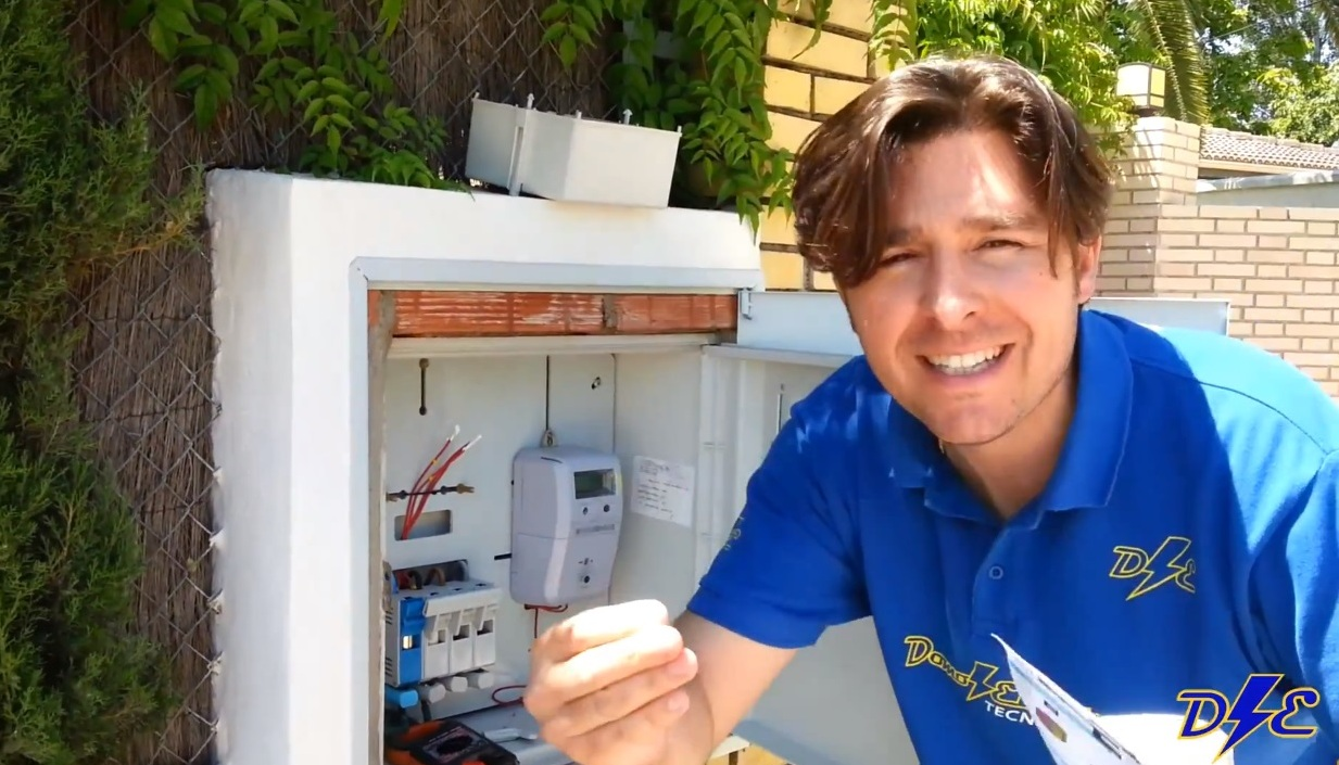 contador-luz-digital-consumo-factura-luz-kWh-icp-manuel-amate-domo-electra