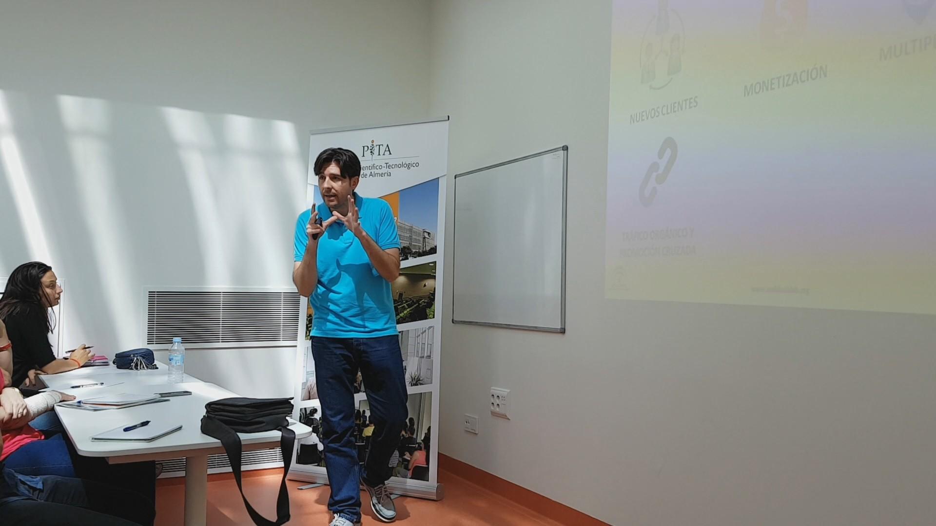 taller_andalucia_lab_almeria_manuel_amate_youtube