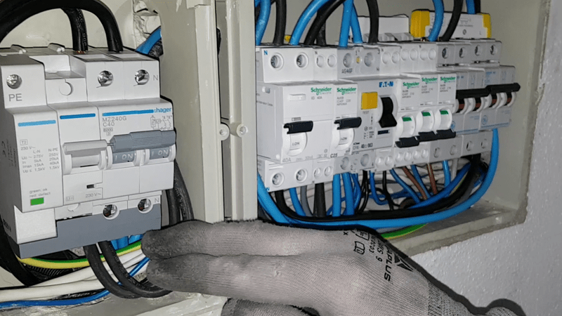 cuadro-electrico-normativa-vehiculo-electrico-domo-electra
