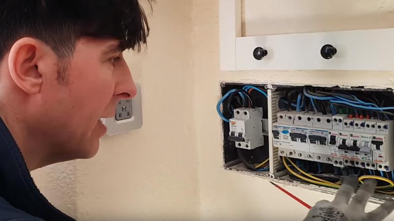 cuadro-electrico-proteccion-vivienda-unifamiliar-averia-electricidad-granada-domo-electra