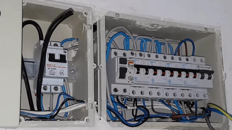 electricista-reforma-cuadro-electrico-coche-electrico-tesla-model-3-domo-electra