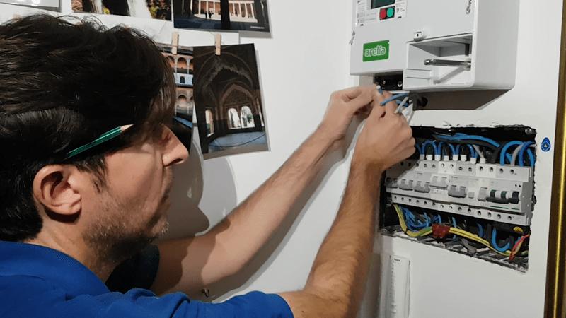 instalar-contador-luz-prepago-m101-arelia-domo-electra-electricidad