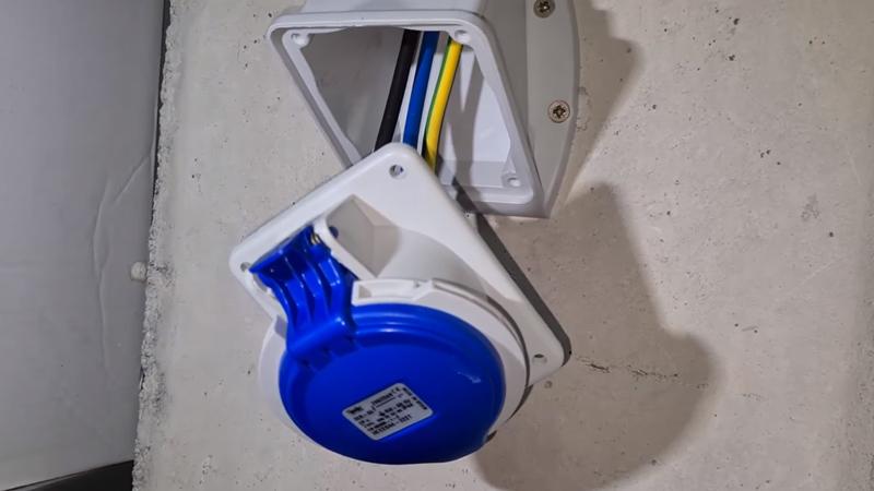 conector-cetac-monofasico-32A-instalacion-irve-domo-electra