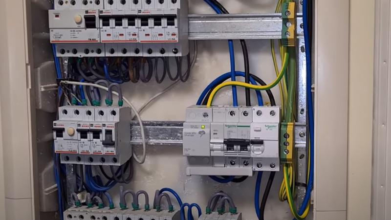 protecciones-cuadro-electrico-irve-vehiculo-electrico-domo-electra-electricidad